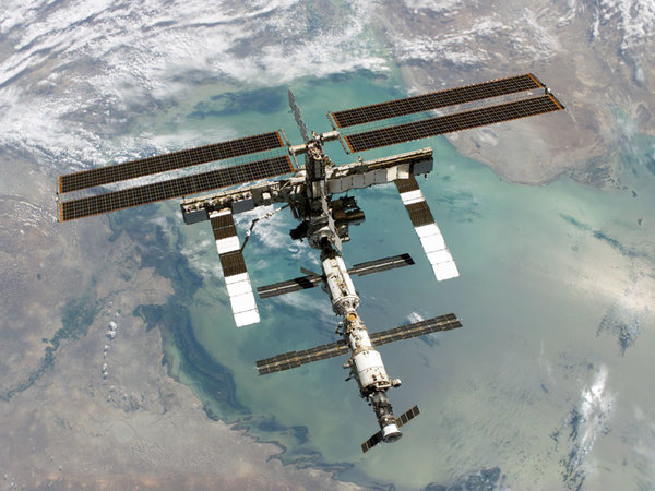 iss2_sts114.jpg