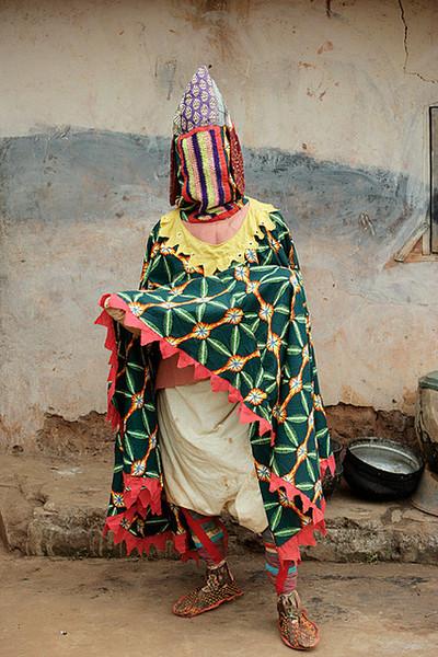 Portrait of manifestation of an Egun - a voodoo ancestor spirit in Sakete, Benin. West Africa. 2005. ©Toby Adamson/Axiom