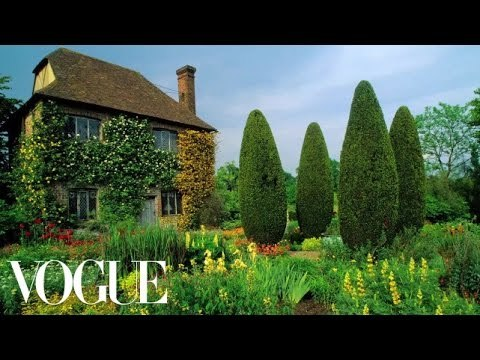 Designing Garden Rooms to Structure an Open Space - Miranda's Garden - Vogue