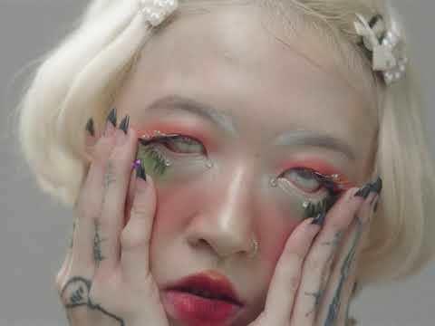yeule - Pretty Bones (Official Music Video)