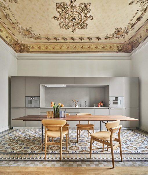 casa-bures-barcelona-apartment-interiors-vilablanch-_dezeen_1704_col_3-852x1003.jpg
