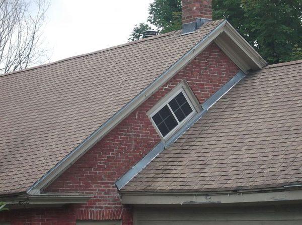 brick-witch-window-600x448.jpg