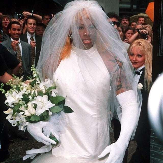 dennis-rodman-wedding-dress.jpg