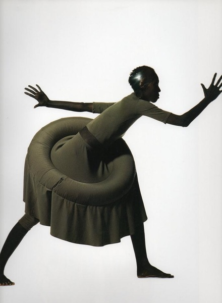 IMG— Iriving Penn Regards the Work of Issey Miyake (book)