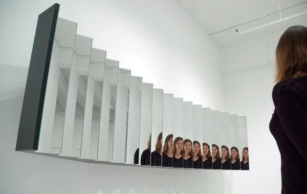 01_self-centered-mirror.jpg