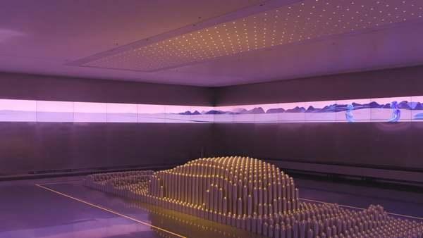 Hyundai Motorstudio - Kinetic Display Experience