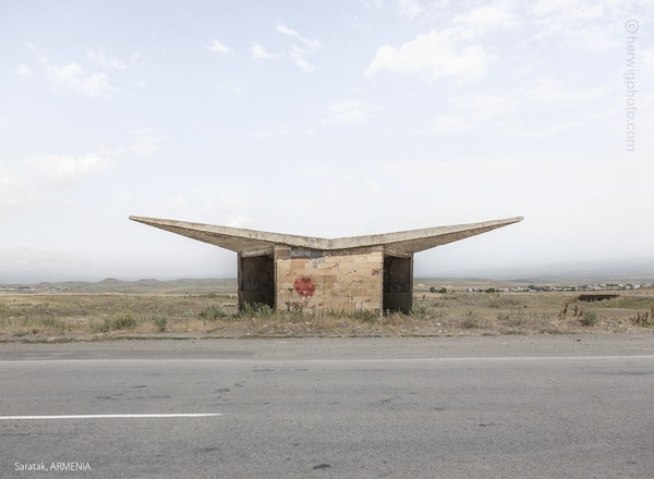 ussr-legacy-photos-of-soviet-bus-stops-by-christopher-herwig-26.jpg