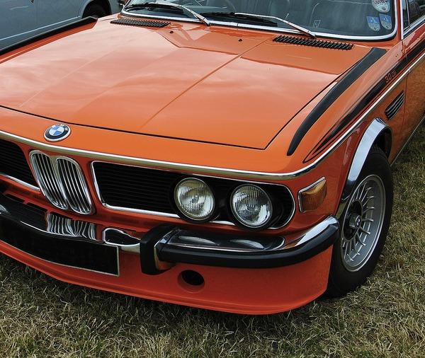 vintage-car-1973377_1280.jpg