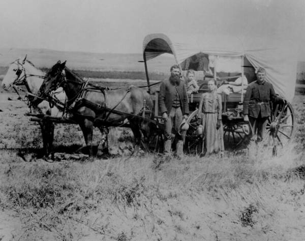covered-wagon-great-migration.jpg