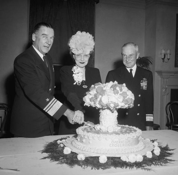 admiral_blandy_mushroom_cloud_cake.jpg