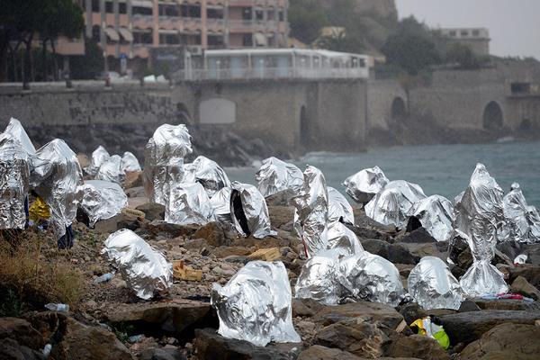 migrants-france-italy.jpg