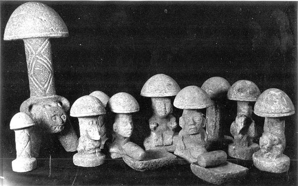 Mayan mushroom figures