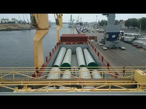 TimeLapse Ship Loading Windmill equipment.