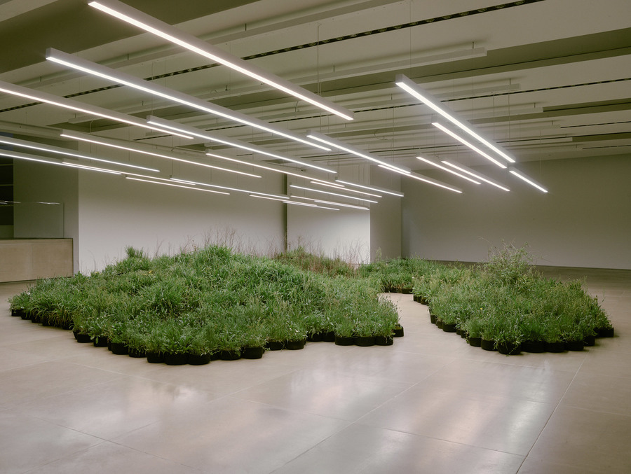 jil-sander-linda-tegg-milan-design-week-installations_dezeen_2364_col_0.jpg