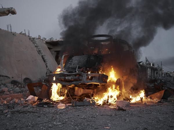 we-came-from-fire-iraq-syria-kurdistan-joey-l-004.jpg