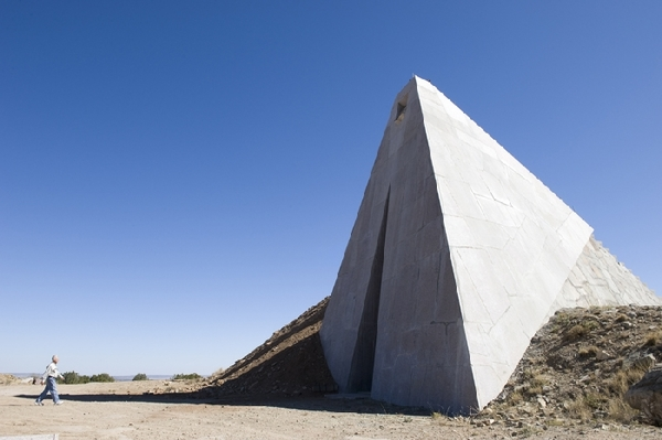 CharlesRoss_07_Star_Axis_-_Solar_Pyramid.original1.jpg