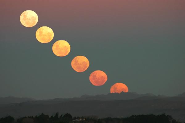 moon_rising_composite.jpg