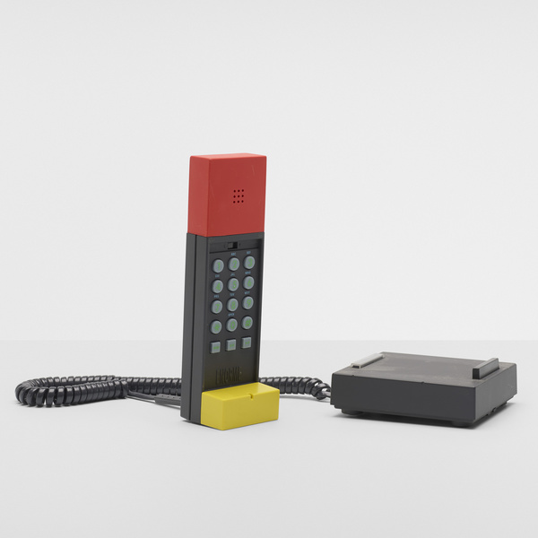 216_1_memphis_design_the_zanone_collection_october_2019_ettore_sottsass_enorme_telephone__wright_auction.jpg