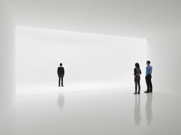 Doug Wheeler, Infinity Room (2012, Zwirner Gallery)