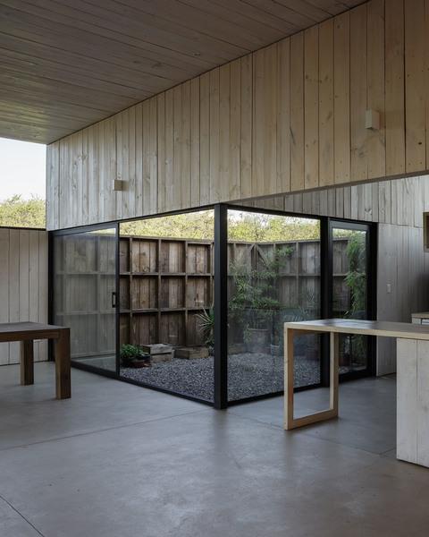 thisispaper_ricardo_torrejon_cml_house_architecture_4.jpg