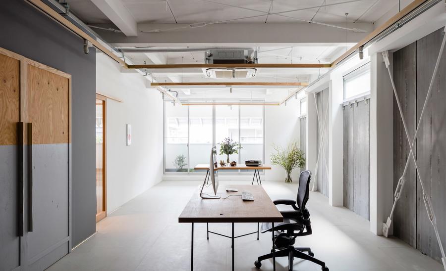 Graphic design office (designed by Shimpei Oda and Tetsuya Tanji)