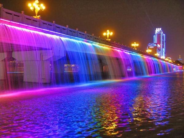 charismatic-planet-moonlight-rainbow-bridge-in-seoul-korea12.jpg