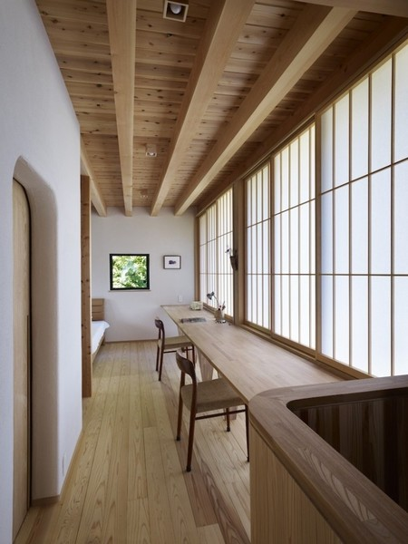 Yatsugatake-Villa-MDS-Architects-Japan-Remodelista-22-733x977.jpg