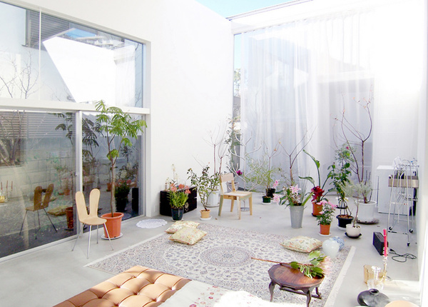 et-cetera_469_garden-house-tokyo-japan_ryue-nishizawa-sanaa_iwan-baan_1.jpg