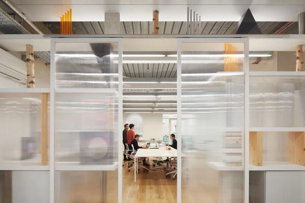 an-office-of-stacked-things-sam-jacob-studio-interiors-london_dezeen_2364_col_9.jpg