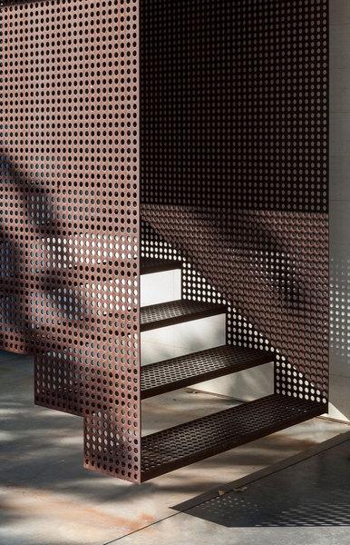 25-cor-ten_stair_by_gb.jpg?1538959223