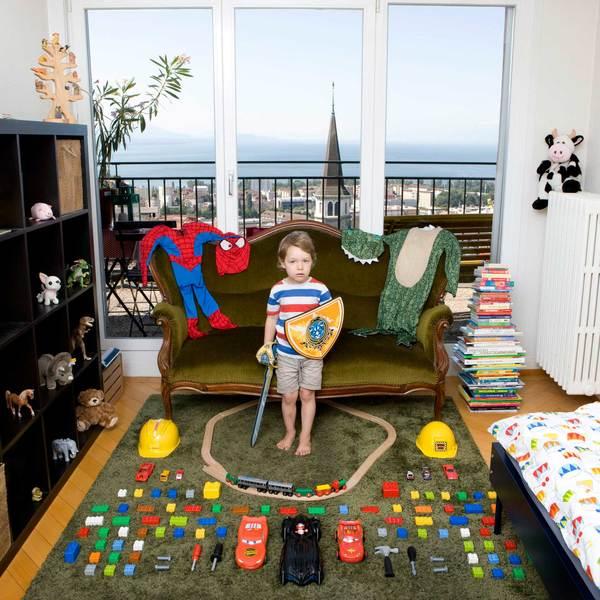 toy-stories-by-gabriele-galimberti-9.jpg