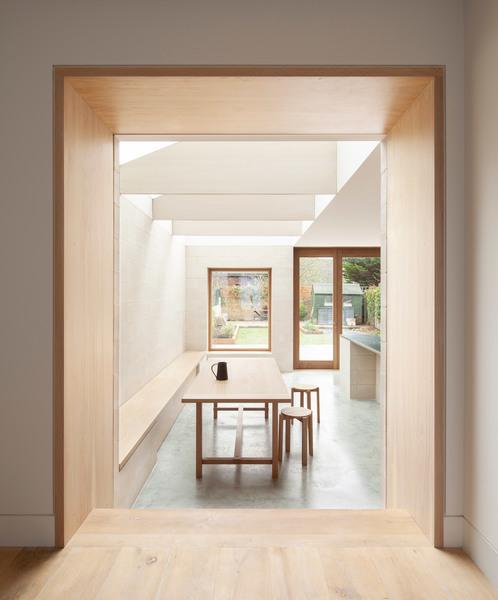 al-jawad-pike_kings-grove_london-house-architecture_dezeen_2364_col_1.jpg