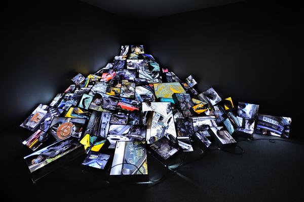 Zineb Sedira - Dead End, 2010