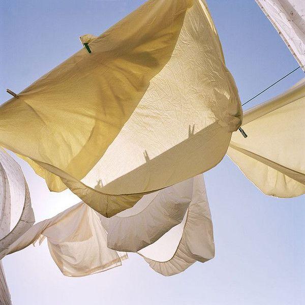 c49e646cf9986cfcaab2679ffdb4242e-clean-sheets-clotheslines.jpg
