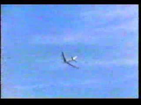 Boeing 707 roll by Test Pilot Tex Johnson - YouTube