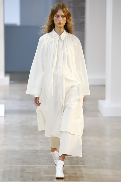 Lemaire Spring 2016 Ready-to-Wear Fashion Show - Vogue