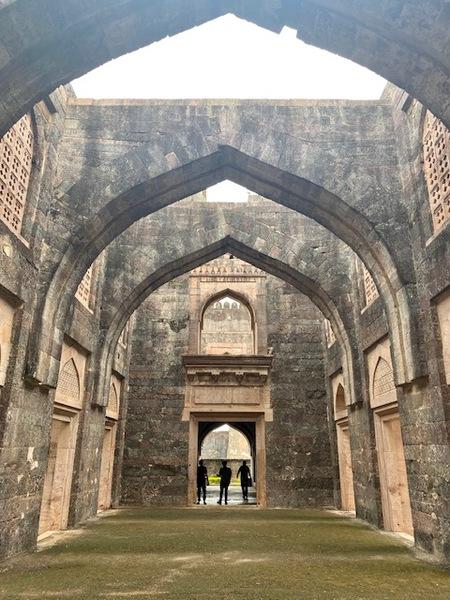 mandu-ruins-3.jpg