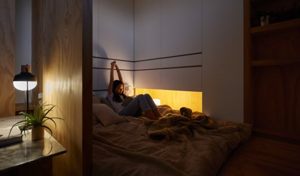 bed-with-overhead-storage-600x352.jpg