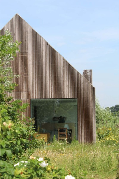 julius-taminiau-architects-norbert-wunderling-potato-shed-house.jpg