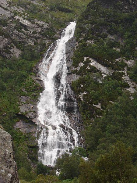900px-scotland_steallwaterfall.jpg