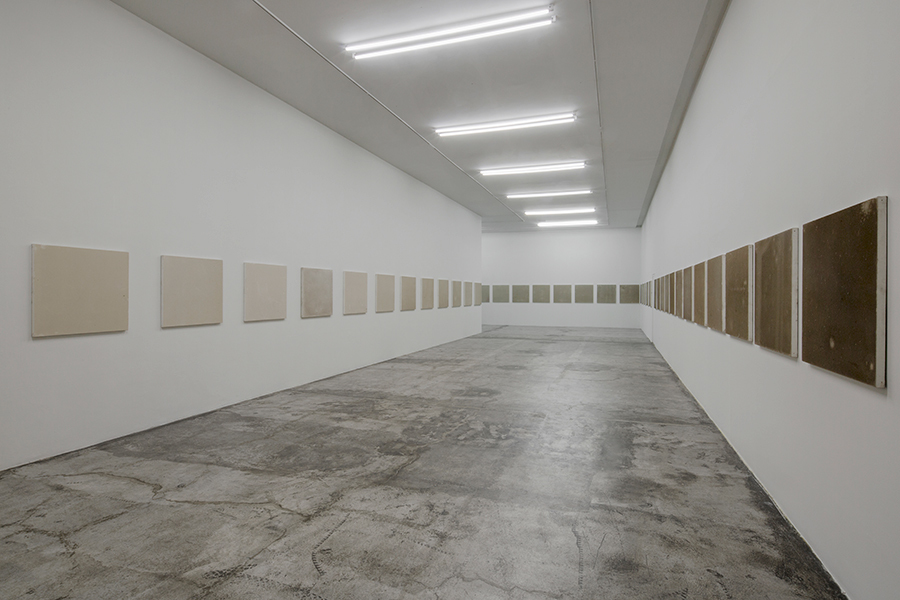 Santiago Sierra Uses Mexico City's Polluted Air as Paint
