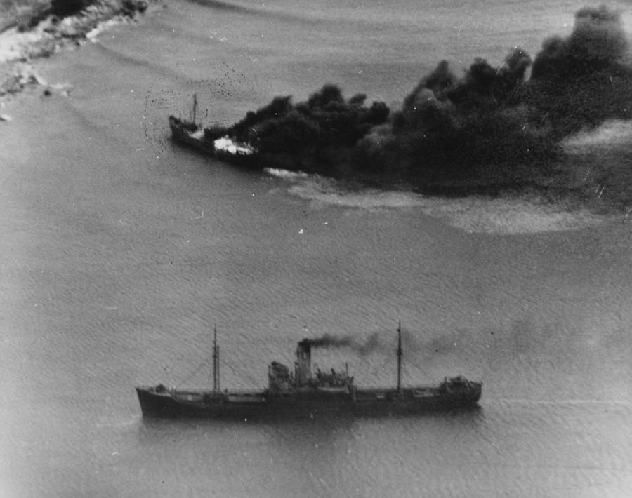 a_japanese_convoy_under_attack_from_uss_lexington_-cv-16-_near_juinhon-_french_indochina-_12_january_1945.jpg