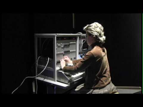 Judy Jackson performs on the Alles Machine