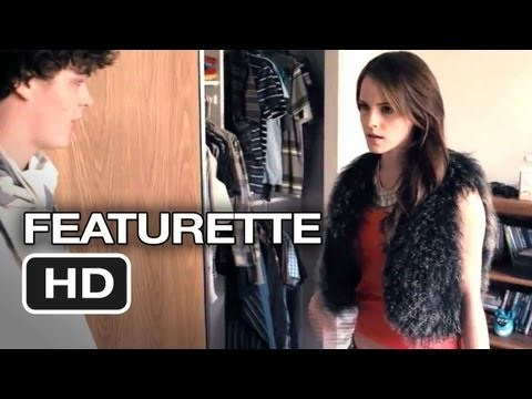 Subscribe to TRAILERS: http://bit.ly/sxaw6h Subscribe to COMING SOON: http://bit.ly/H2vZUn Like us on FACEBOOK: http://goo.gl/dHs73 The Bling Ring Featurette #1 (2013) - Emma Watson HD Inspired by actual events, a group of fame-obsessed teenagers use the internet to track celebrities' whereabouts in order to rob their homes.