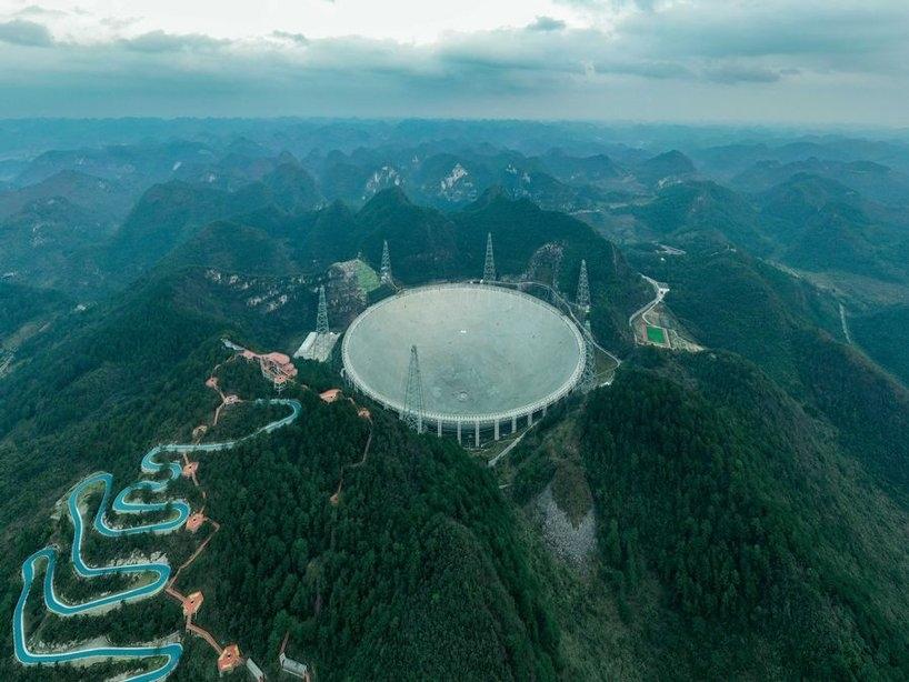 china-fast-telescope-alien-hunting-guizhou-designboom-2.jpg.jpg
