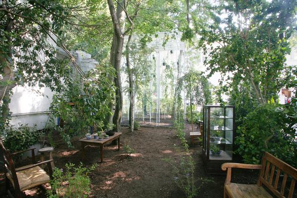 Inside/outside, architecture/garden
