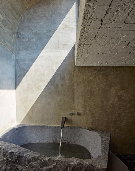 pedro-reyes-house-architecture-mexico-city_dezeen_2364_col_11.jpg