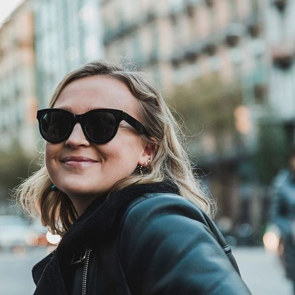 Smiling because the paycheck is around the corner. Our good friend @adoleman styling the Kim sunglasses 🖤 . #projectlobster ...