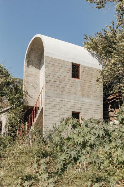 Casa Martha by Naso architects in Malinaclo, Mexico.