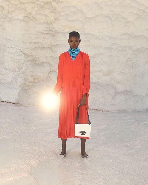 KENZO ⠀⠀ FW19 ⠀⠀ Stylist @Claudiaasinclair Art Direction @LeoPaulBilles & @charlie__noon Production @artistrylondon @mounafa...